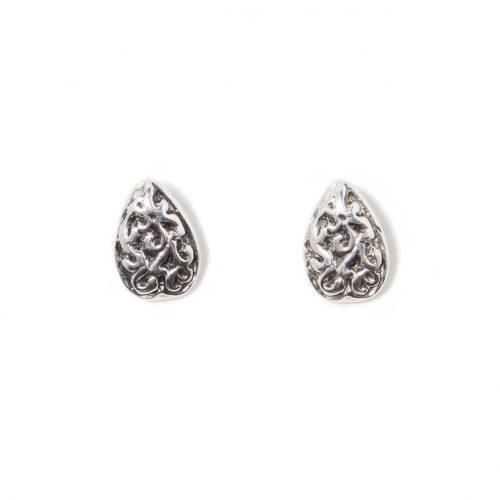 Boucles d'oreilles Love en argent sterling. Boucles d'oreilles fait au Quebec par SCARO.