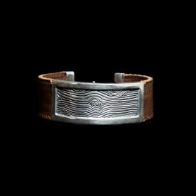 Bracelet L'Armée des bois en argent sterling et cuir. Bijou fait au Québec par SCARO.