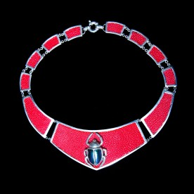 collier-galuchat-rouge-face
