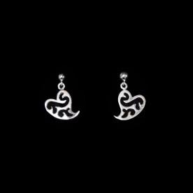 Boucles d'oreilles Amour en forme de coeur en argent sterling. Bijou fait au Québec.